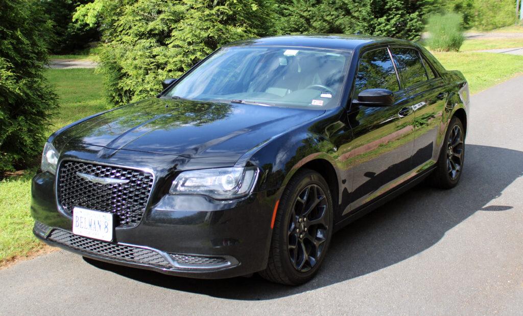 Chrysler 300 - Luxury Sedan